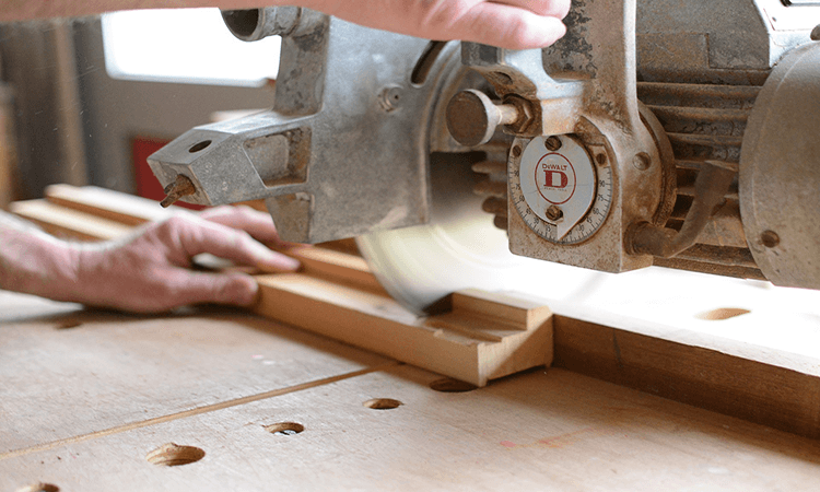 How To Cut A 60 Degree Angle With A Handsaw