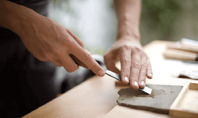 How To Sharpen Wood Carving Tools With A Stone