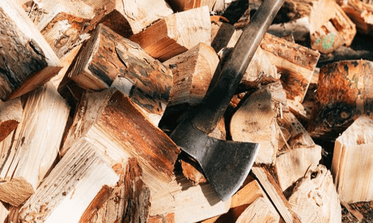 How To Split Wood With Hatchet In Different Ways