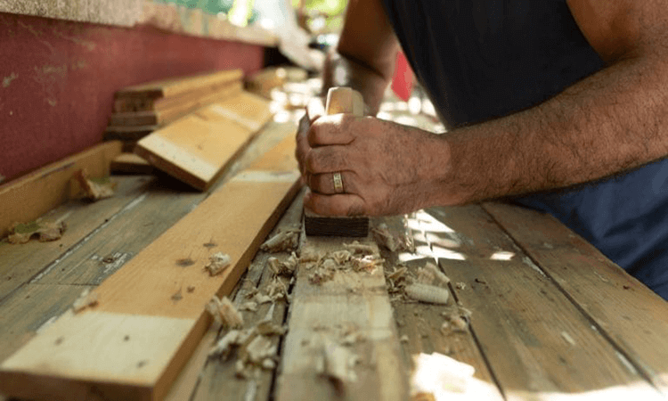 How To Use A Hand Planer Beginners Guide And Tips