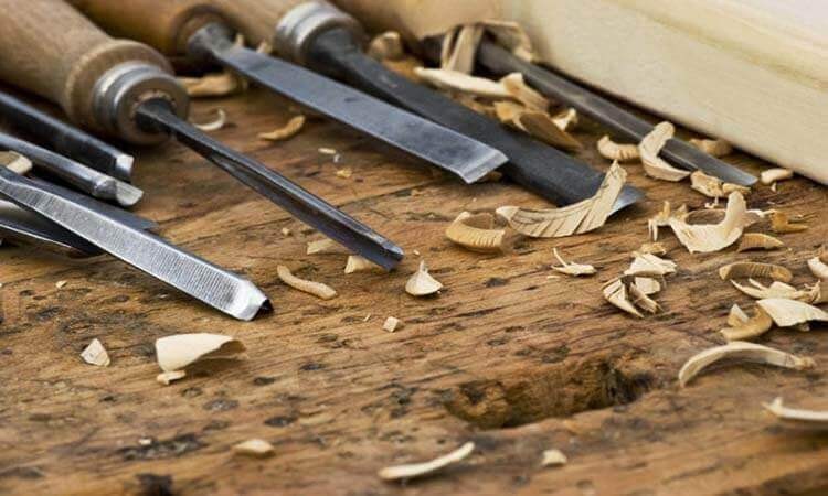 How To Use Wood Carving Tools A Beginners Guide