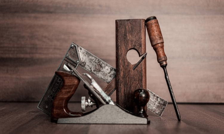 How To Use Wood Chisels For Carving