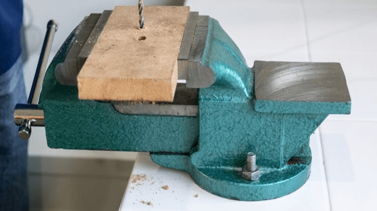 Best Bench Vises For Wood Working