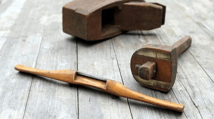 The 7 Best Spokeshaves For Woodworking