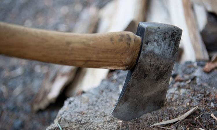 What Is The Best Axe For Chopping Wood copy